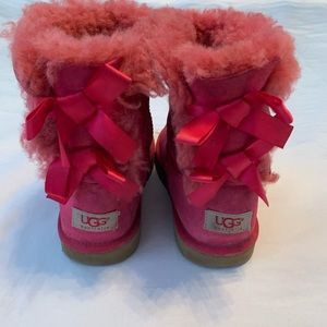 UGG BAILEY BOW PINK GIRLS BOOTS SIZE 2